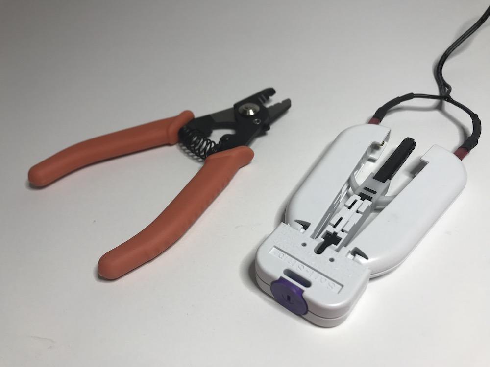 Mechanical vs. Thermal Fiber Stripper UCL Swift